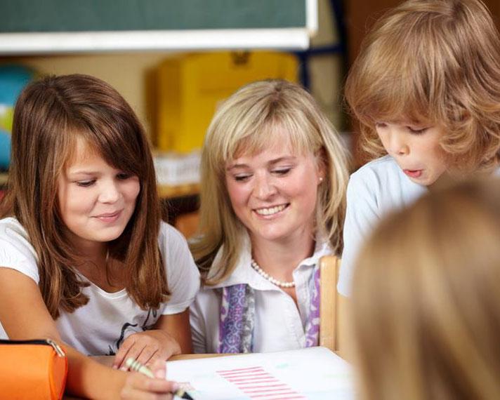 Nachhilfelehrerin für Schüler